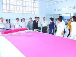 Xưởng may gia công áo thun chuyên gia công các mặt hàng áo thun giá rẻ chất lượng tốt