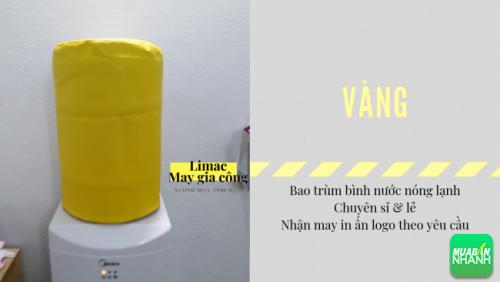 Bao trùm bình nước màu vàng